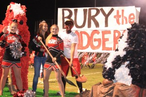Grove seniors dig homecoming