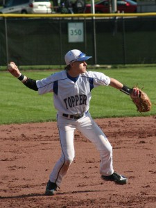 Bad inning costs 'Toppers in loss at Greendale