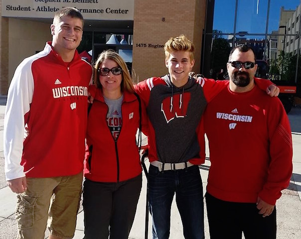 Burlington football star commits to Wisconsin Badgers