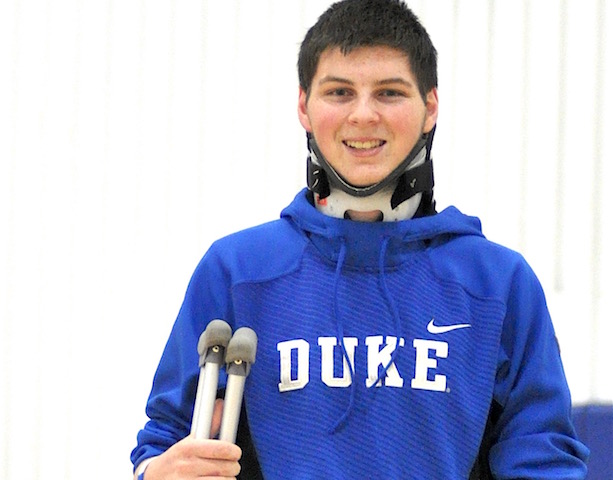 High school basketball player returns to court one year after car accident