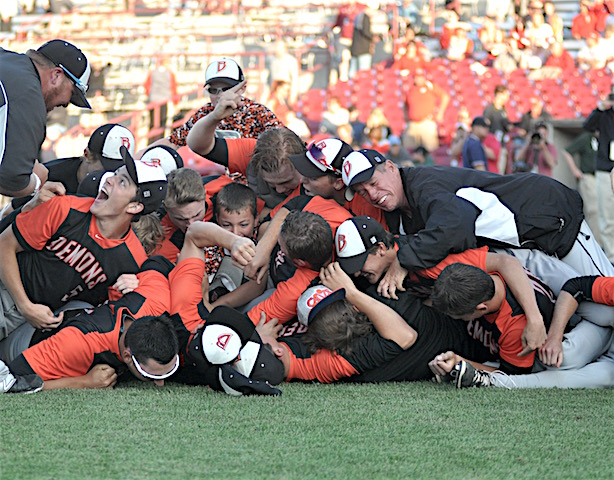 BREAKING: Late rally lifts Burlington baseball to first state championship