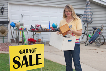 Council OKs parkway signs for city rummage sale event
