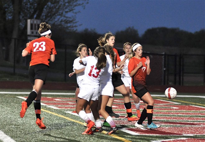 Defensive stalemate keeps Burlington, Union Grove in first-place tie