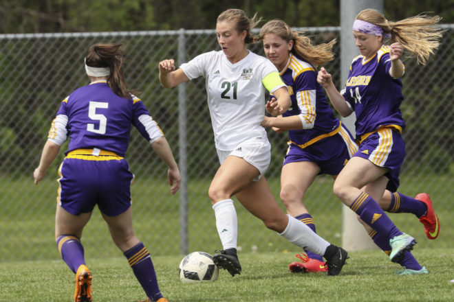 Torhorst breaks scoring record, but soccer season ends