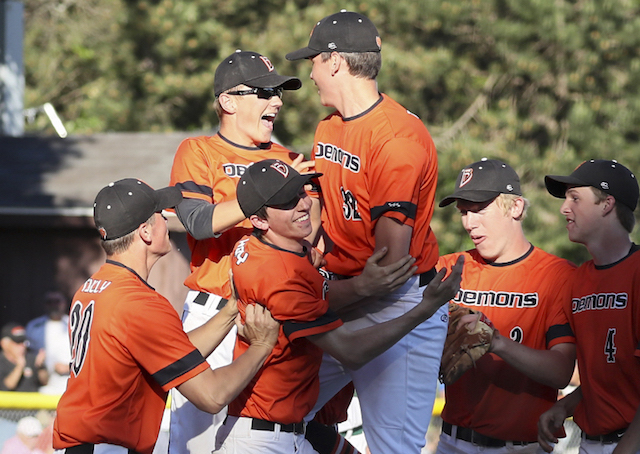 Burlington wallops Waterford, advances to 2nd straight state tournament