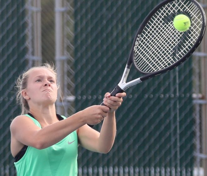 Waterford tennis wins first invite of season