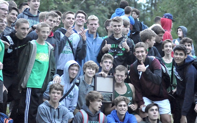 Waterford runners win SLC Relays