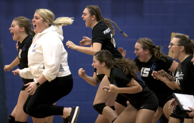 Catholic Central volleyball captures conference crown