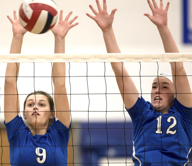 Catholic Central volleyball takes regional title