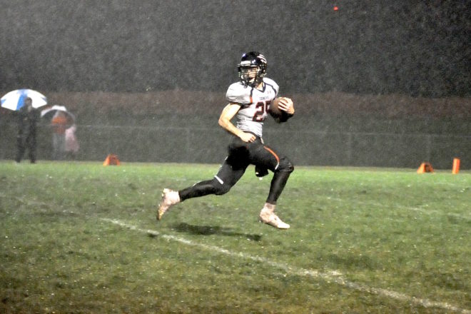 BREAKING: Waterford-Burlington highlights football playoffs, Lake Geneva, Wilmot earn tough draws