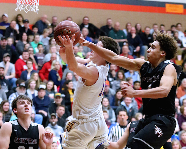 Flipping the switch: Zackery, Gilliland propel Westosha to 2nd straight sectional final