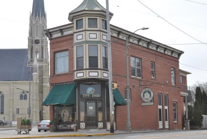 Council OKs liquor license for B.J. Wentker's