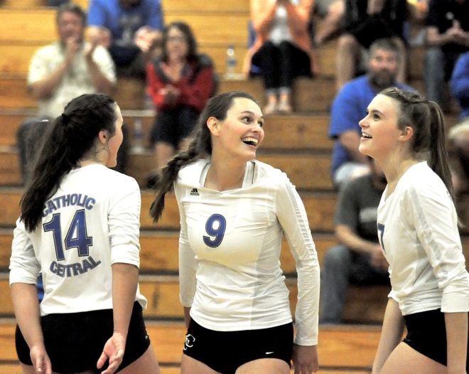 Catholic Central volleyball enjoys road court advantage