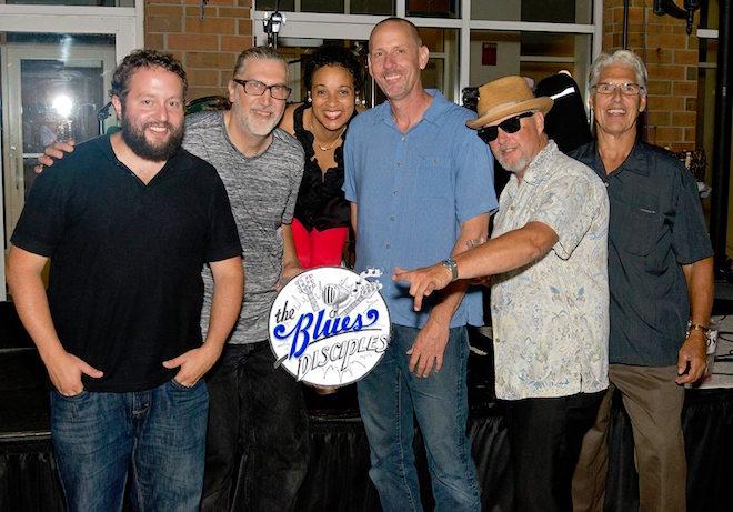 Singin' the blues in Echo Park