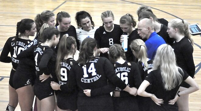BREAKING: Catholic Central volleyball claims sectional title, heads to state tournament
