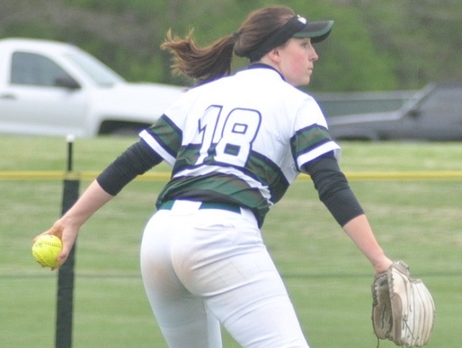 Senior Snapshots: Trautman, Stiewe look back on Waterford softball careers