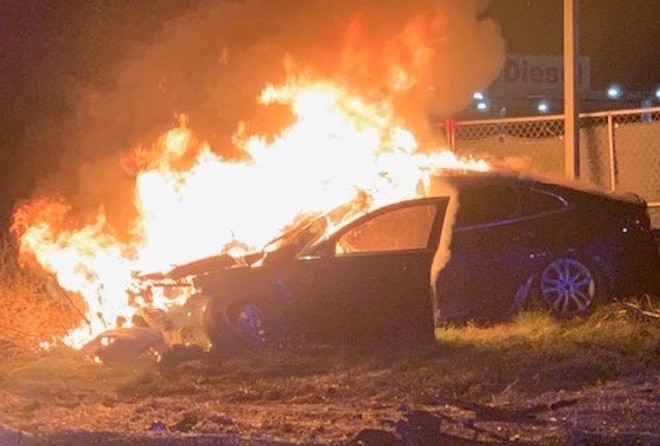 Deputies rescue driver from fiery crash
